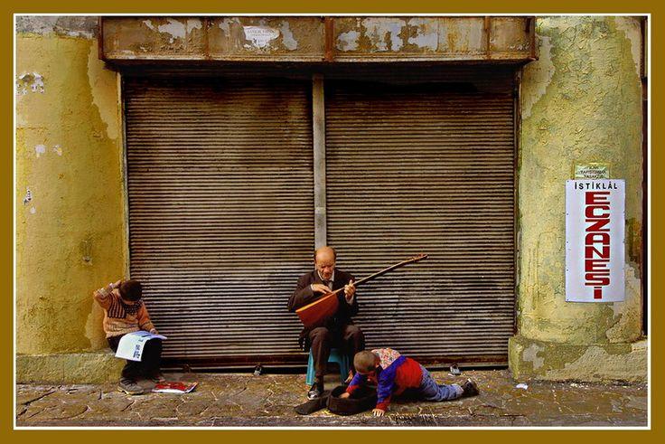 the struggle to make a living - Beyoglu, Istanbul
