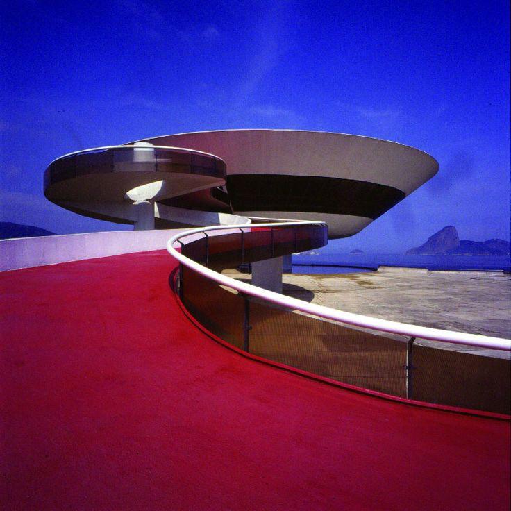 Oscar Niemeyer - Museu de Arte Contemporânea de Niteroi