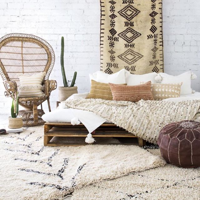 STOP THE PRESS!  Our collection of Moroccan rugs is now LIVE on our website with a selection of gorgeous Beni's, Azilals and the nicest Boujaad we ever did lay  on! (link in bio) Styling/Photography @villastyling #gcbspaces