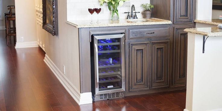 Buy the CWR262DZ EdgeStar 26 bottle dual zone wine cooler with stainless steel trim door for storing red and white wines at the perfect temperature. Thermoelectric cooling causes no vibrations for ideal storage.