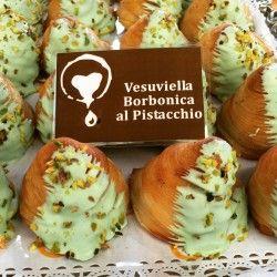 Da Cuori di Sfogliatella arrivano Konosfoglia e Vesuviella Borbonica http://www.napolivillage.com/Piaceri-e-Profumi/da-cuori-di-sfogliatella-arrivano-konosfoglia-e-vesuviella-borbonica.html
