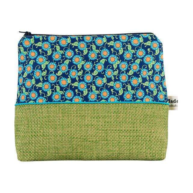 Daisy Chain Wash Bag £24.00