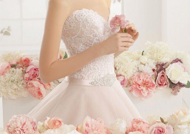 Abiti da sposa rosa 2016, per donne romantiche e glamour
