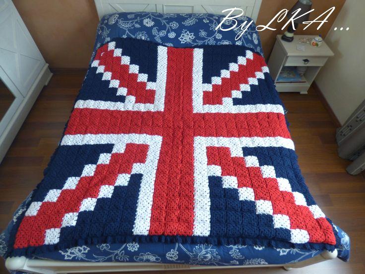 Union Jack - Granny pixel crochet balnket by Les Kréa d'Aurel