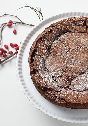 chOcOlate fallen sOuffle cake
