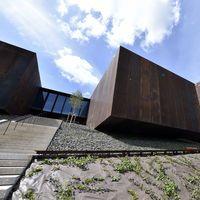 Le Musée Soulages, une œuvre, un bâtiment