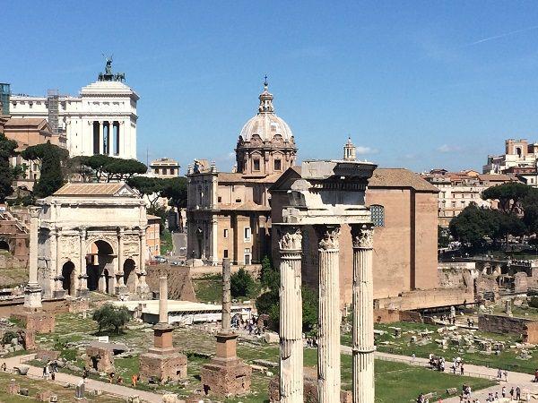 Waar vind je de meest adembenemende uitzichten van Rome? We tippen 7 prachtige plekken om van een mooi panorama te genieten, van de Aventijn tot het Capitool.