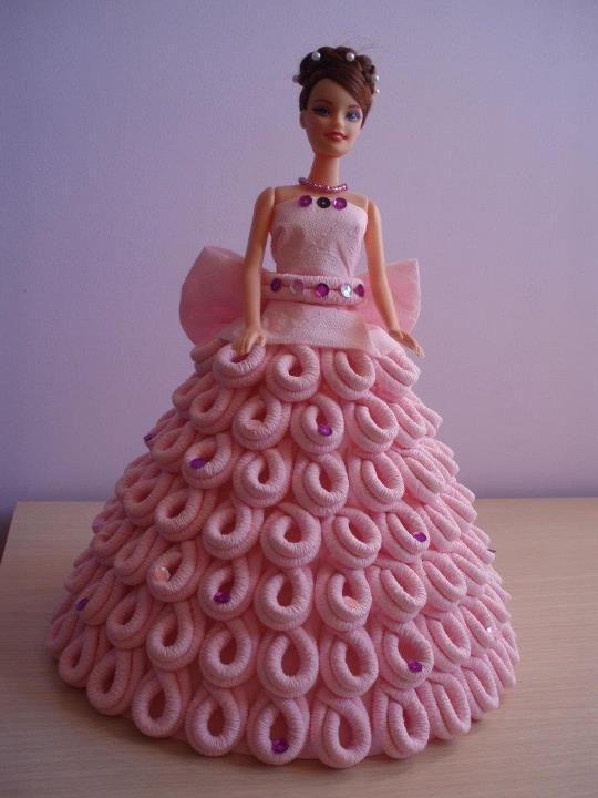 Como hacer un hermoso vestido de muñeca   Manualidades ...