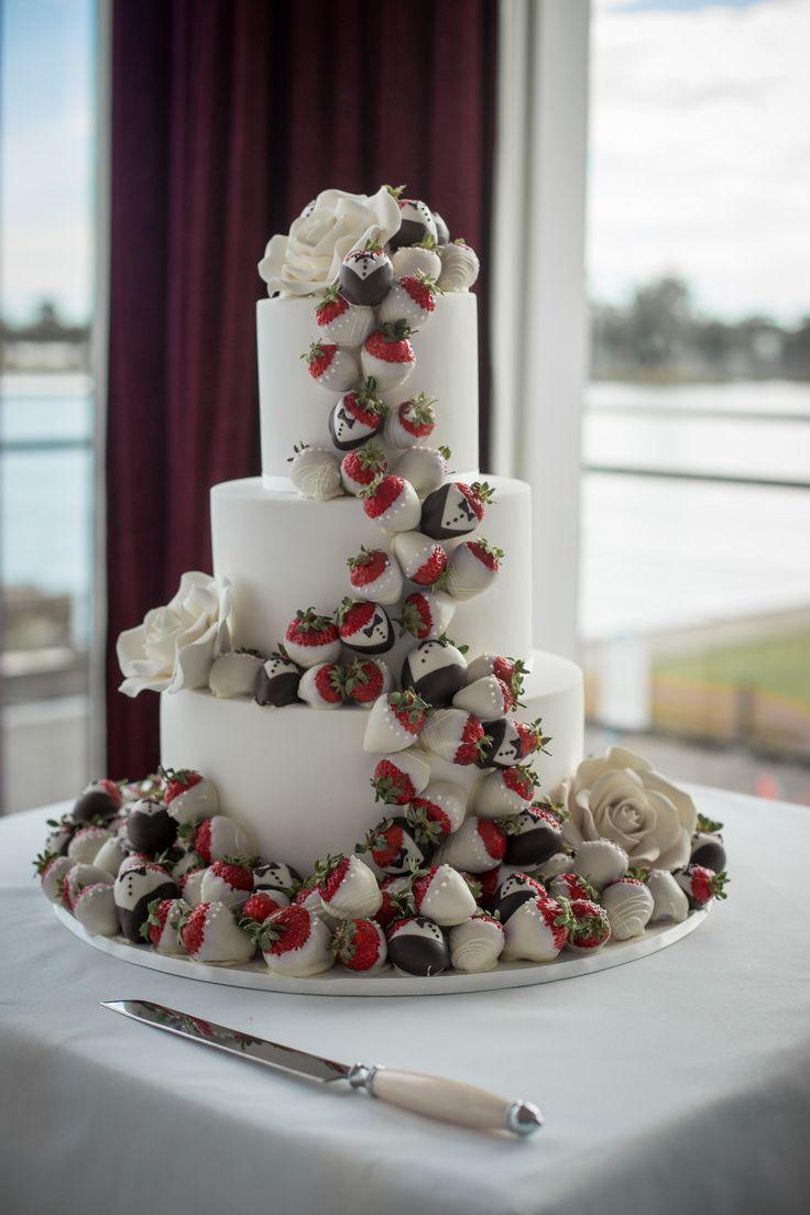 Wedding Reception Sharina & Vincent 07.02.15 #thepointalbertpark #thepointalbertparkweddings #wedding #brideandgroom #weddinginspo #weddingideas #weddingvenue #melbournevenues #melbournefunctions #melbournewedding #newlyweds #receptionvenue #weddingspace #receptionvenue #weddingcake