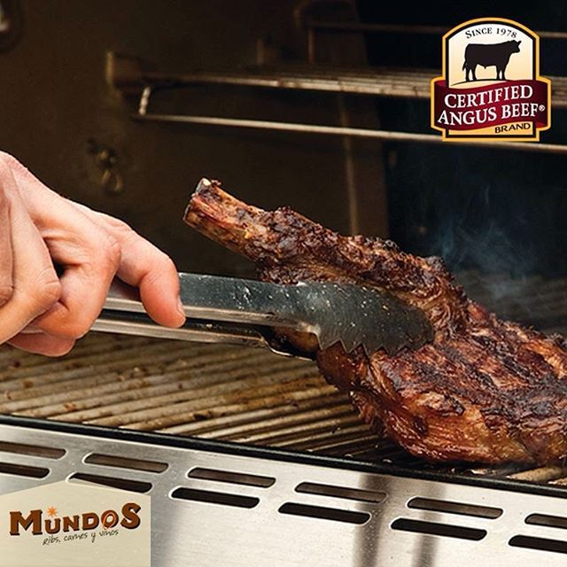 El proceso #DryEdge con el que maduramos nuestras carnes y nuestra experiencia en parrilla convierten nuestros platos en insuperables. Ven y compruébalo. Reserva en el tel. 5371835 o en www.mundos.com.co
