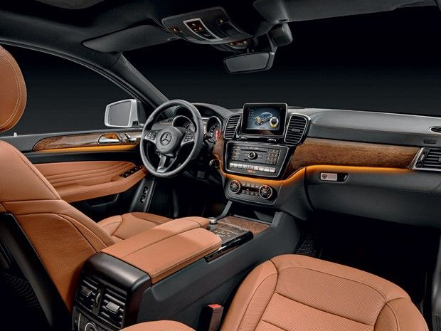 4 SUVs de luxo para quem gosta de carros belos, brutos e sedutores