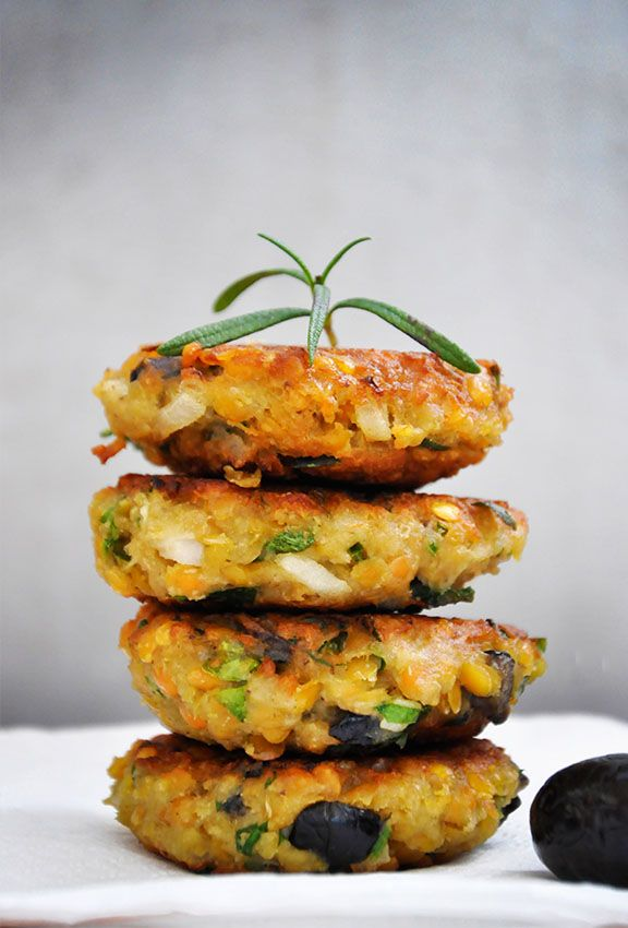 Lentil Patties with Olives and Herbs | Gourmandelle.com