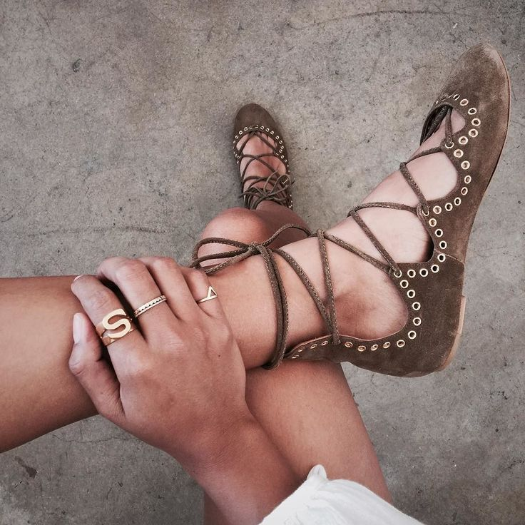 Sincerely Jules wearing Chloe Gold Initial Ring and Isabel Marant Brown Suede Leo Lace Up Flats