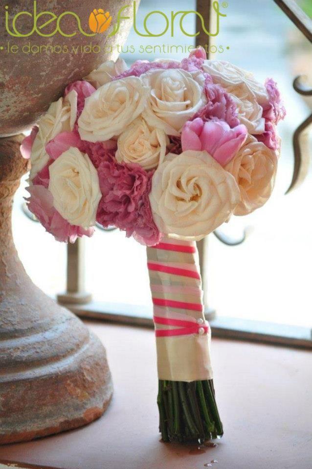 Romántico bouquet de rosas y lisianthus champagne en armonia con tulipanes rosa palido