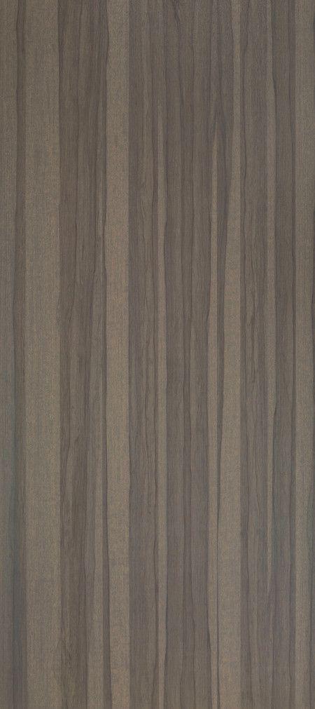 Shinnoki is een uniek fineerproduct. Het is een combinatie van fineer met het gemak van een melamine plaat. De toplaag is gemaakt van fineerhout, dit wordt afgemaakt met een kern van MDF en een tegenfineer op de achterzijde voor de stabiliteit van de plaat. Net als een melamine plaat wordt deze kant-en-klaar geleverd. De Shinnoki panelen kunnen dus meteen worden toegepast zonder verdere verwerking. Deze variant, genaamd Dusk Frake, is bij Stabilo Interieurbouw verkrijgbaar voor uw interieur.