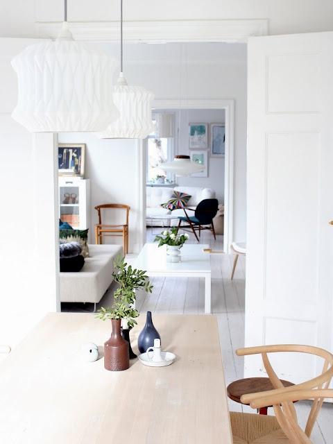 ..: Wood Chairs, Living Rooms Decor, Decor Ideas, Scandinavian Design, Swedish Interiors, Interiors Design, White Decor, White Rooms, Inspiration Interiors