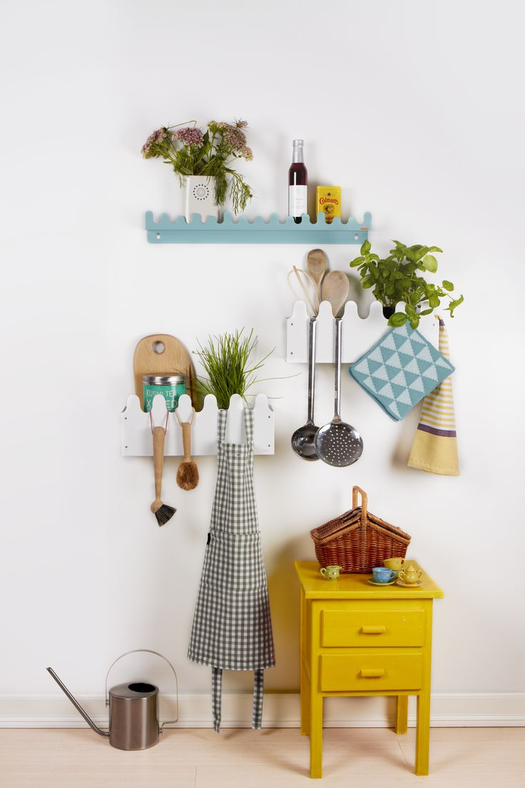 Doodle Drop shelf & Sinus Multi-box perfect for storage in the kitchen www.roommate.dk #roommatedk #storage