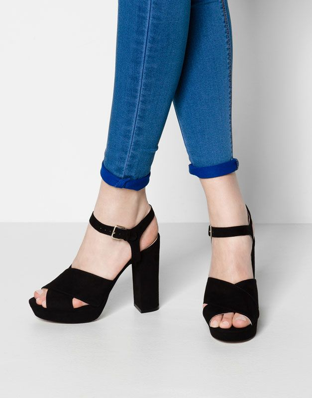 Pull&Bear - femme - chaussures femme - sandales à talon et lanières croisées - noir - 15905311-I2014