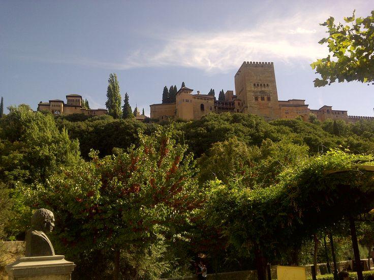 Alhambra de Granada. El palacio musulmán más importante del mundo.  #alhambra #granada #turismogranada #andaluciatours #andaluciaguidedtours #privatetours