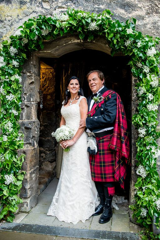 The Queensferry Flower Company. Dundas Castle Keep Arch. Photo by www.mcbethphotography.com