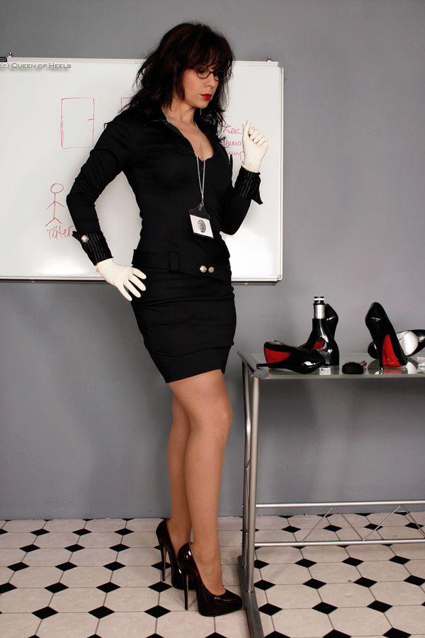 ... queen-of-heels.de: Gina Queen, Heels Crime, Www Queen Of Heels D, High: https://www.pinterest.com/pin/341992165426540454