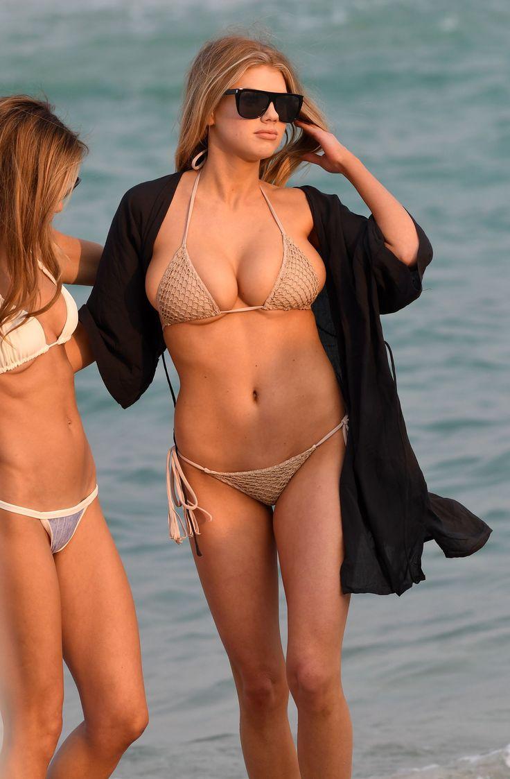 25 best ideas about charlotte mckinney bikini on for Charlotte dujardin 50 50