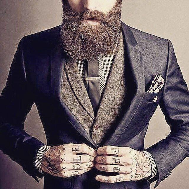 Lo stile nel portare una barba perfetta. #beautifulbeard #beardmodel #beardmovement #barbu #beard #barba #barbudo #beautiful #beardo #fullbeard#barber #barbuto #barbershop #Milano #outfit #italia #RebelMoustache #fashion #stile #style #Padova #baffi #manstyle #manstuff #italy #Moustache #model #modello Grazie a @thebeardstruggle