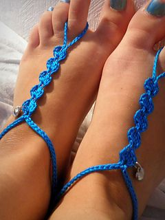 Free pattern! barefoot sandal Cute idea of putting charms on them.
