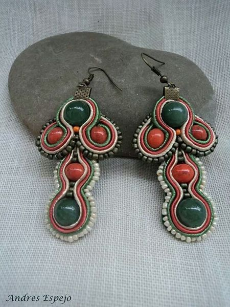 pendientes de soutache en color verde von El rinconcito de Zivi auf DaWanda.com