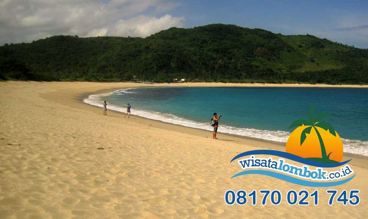 Mau melihat indahnya pantai Mawun yang ada di wisata Lombok yang indah, yuk kunjungin http://www.wisatalombok.co.id #pantai #mawun #pantaimawun