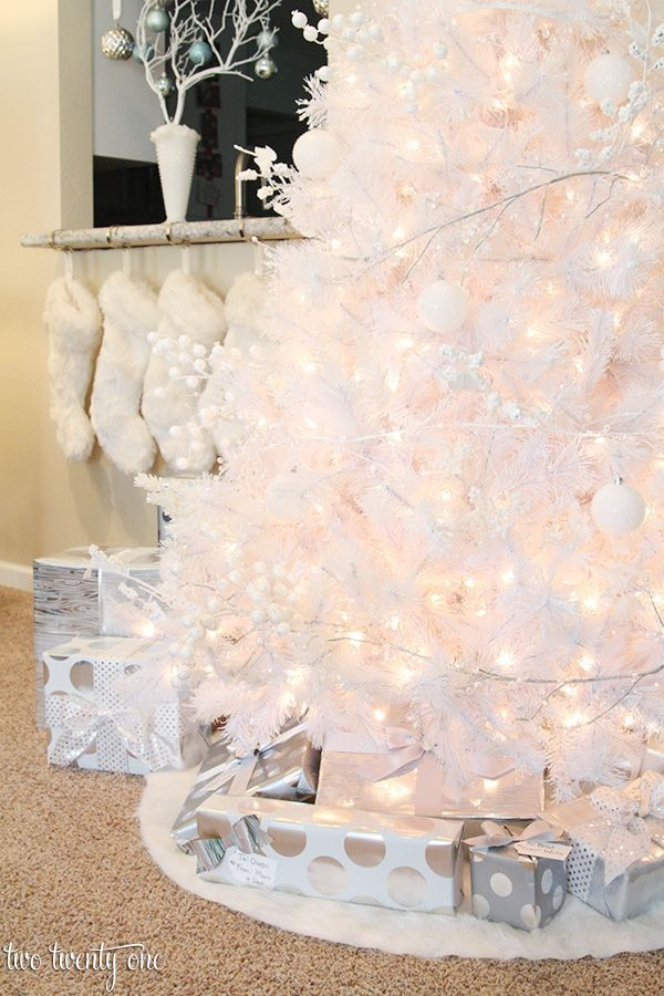 Pictures Of White Christmas Trees