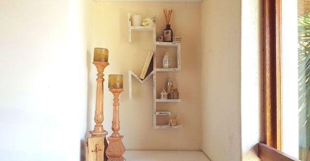 Έχεις έναν άδειο τοίχο στο σαλόνι σου και δεν ξέρεις τι να βάλεις; Αυτή η κατασκευή diy είναι η ιδανική γιατί και τον τοίχο σου θα διακοσμήσει αλλά θα σου χρησιμεύσει και για να τοποθετήσεις τα αγαπημένα σου πράγματα.Χωρίς τα μικρά πράγματα το σπίτι δεν θα είναι ποτέ σπίτι. Γιαυτό και η παλέτα home είναι το ιδανικό μέρος για να φυλάσσεις μερικά από αυτά τα ξεχωριστά πράγματα.Τι θα χρειαστείς; Παλέτες Χρώμα βαφής Πιστόλι κόλλας Κόλλα ξύλου Πως θα το φτιάξεις; Σχεδιάζουμε τα γράμματα στις…
