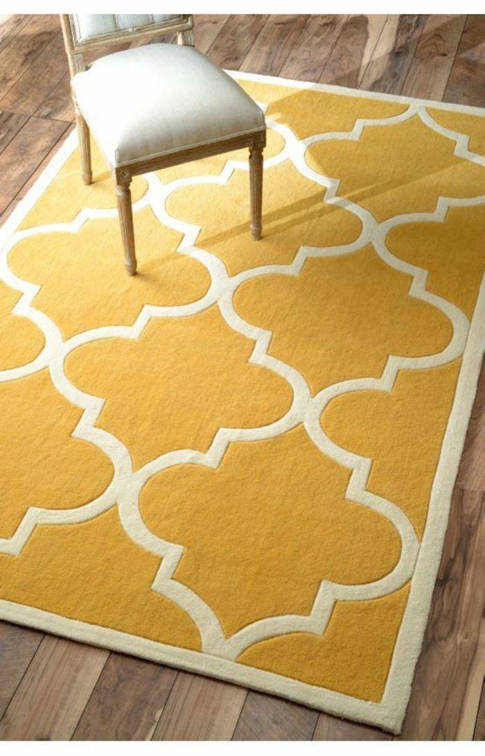Wohnzimmer Einrichten Tipps Bodenbelag Gelber Teppich Verlegen