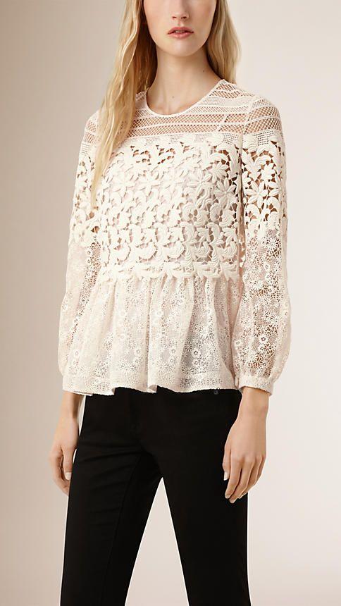 Creme Blusa de renda floral e tecido translúcido - Imagem 1