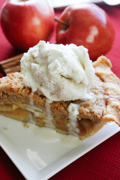The MOST AMAZING Apple Pie - Full of thinly sliced sweet apples and topped with a crunchy cinnamon brown sugar topping this WILL make you forget all the other apple pie recipes out there!
