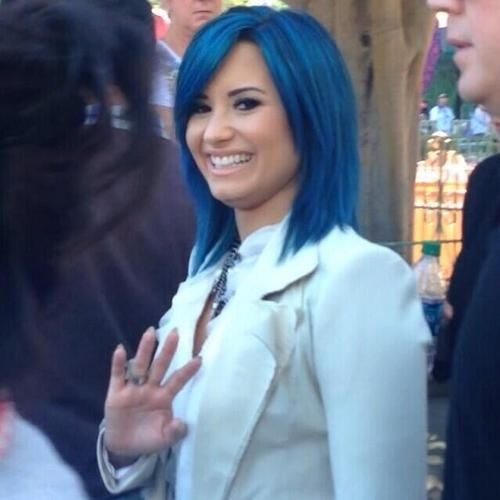 tip for haircut 25 best ideas about demi lovato blue hair on 9729
