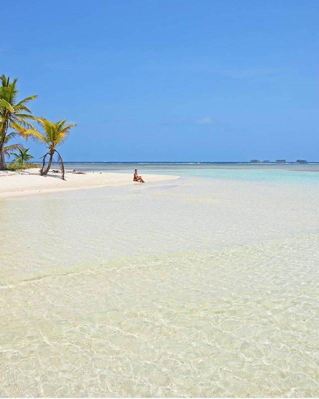 San Blas Islands - Panama  Credits ✨@lalarebelo_travelblog✨ . #beachesnresorts for a feature