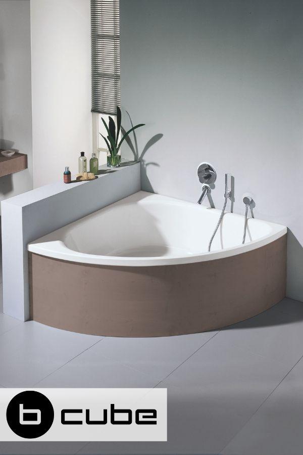 Die BetteArco ist Bettes Design-Eckbadewanne, die Sie wahlweise in weiß, mit Anti-Rutsch und/oder mit Glasur Plus wählen können.#Bette #Badewanne #…