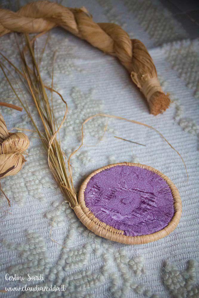 Cestini sardi: giunco, broccato e rafia | Kalaris WebBlog