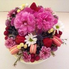 Fresh flowers, Berries & Macarons