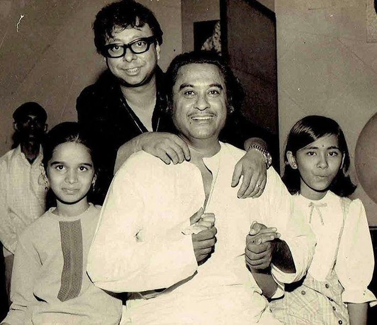 #muvyz051217 #BollywoodFlashback Kishore Kumar and R D Burman with Sushma Shreshta and Shivangi Kolhapure during Ishk Ishk Ishk (Photo : Poornima) #kishorekumar #rdburman #shraddhakapoor #muvyz #instapic #instagood #instadaily