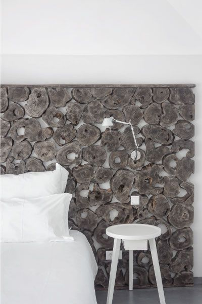 la suite dite du propri taire et sa t te de lit en rondins de bois photo mr tripper mur. Black Bedroom Furniture Sets. Home Design Ideas