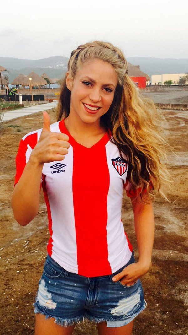 Shakira ♥ Junior tu papá!! ♥ 28/05/2016