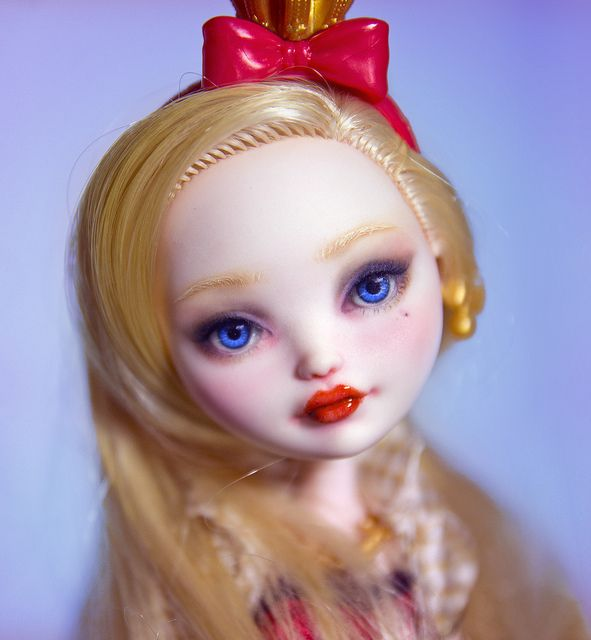 Ever After High Applie White custom doll repaint by Szklanooka.
