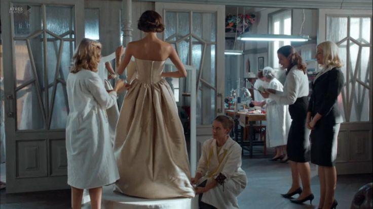 Episodio 2. Segunda temporada. Vestido Tot-hom. #Velvet #Tothom #modamujer #moda