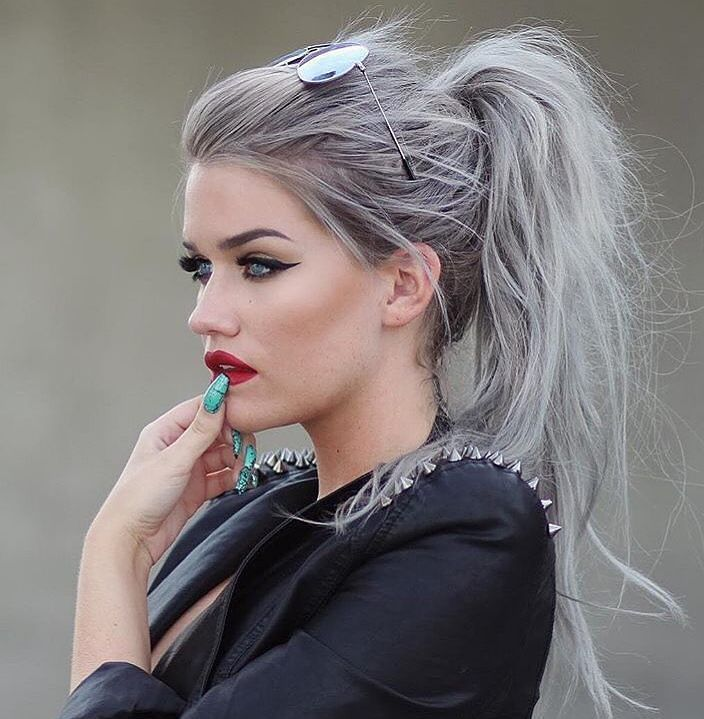 25 Trendy Silver Hair Color Ideas — From Silver Blonde to Silver Purple Check more at http://hairstylezz.com/best-silver-hair-color-ideas/