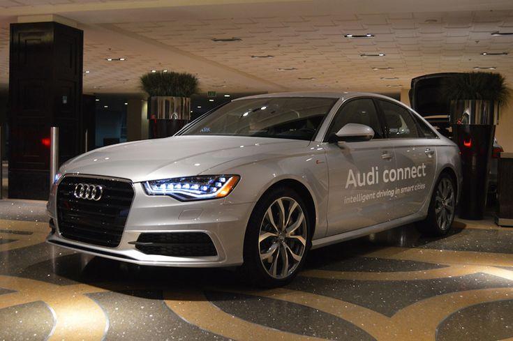 """Fini les feux rougesgrâce à la nouvelle technologie de @Audi France , le """"Smart City Traffic Light Assistance"""""""