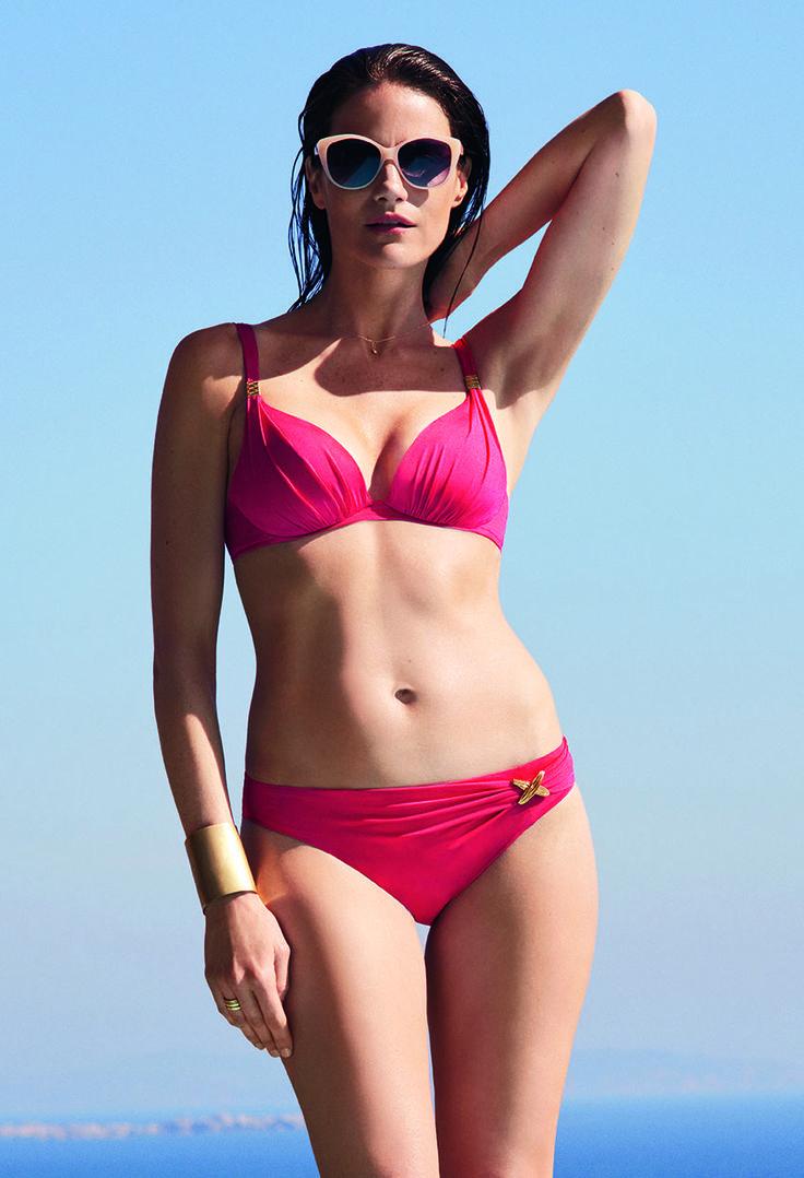 #Chantelle joue la carte du maillot de bain uni mais pep's pour un rendu glamour & ultra féminin. On aime le petit bijou créé spécialement pour la marque ! #Beachwear #orcanta #swimwear www.orcanta.fr
