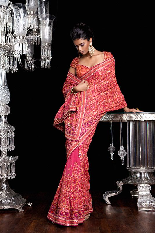 Gorgeous #IndianWedding Bridal Couture by http://www.TarunTahiliani.com/couture-bridal-services#prettyPhoto