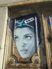 245 (en-ri) Tags: tkv ragazza girl azzurro grigio nero bianco testa head torino wall muro graffiti writing